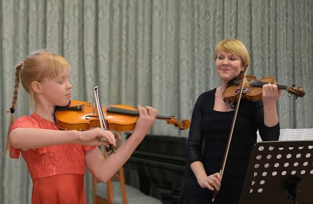 Поздравляем Слободину Екатерину (скрипка) и Чиркова Макария (фортепиано), а также их родителей и преподавателей с новыми достижениями!